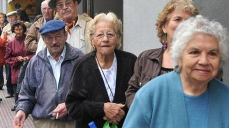 Casi la mitad de los jubilados del conurbano afirman que no cubre la canasta básica
