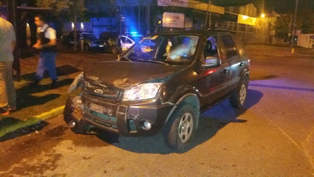 CONDUCTOR EBRIO CHOCA MÓVIL POLICIAL EN BERAZATEGUI