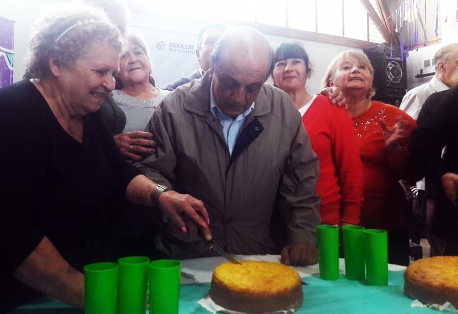 Volvieron los 'cumpleaños  comunitarios' y festejaron en Villa Mitre