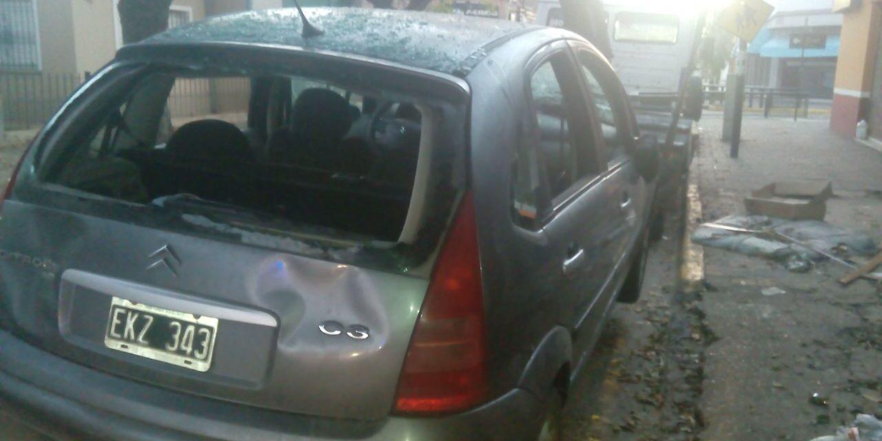 ABANDONAN AUTO EN BERAZATEGUI