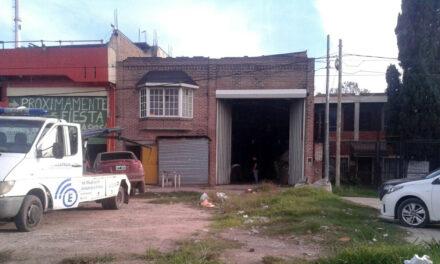 AHORA: ALLANAN TALLER CLANDESTINO EN BERAZATEGUI Y SECUESTRAN AUTOS ROBADOS