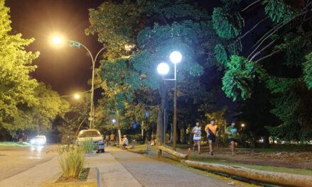 SIGUEN CAMBIANDO VIEJAS LUMINARIAS POR LUCES LED DE BAJO CONSUMO