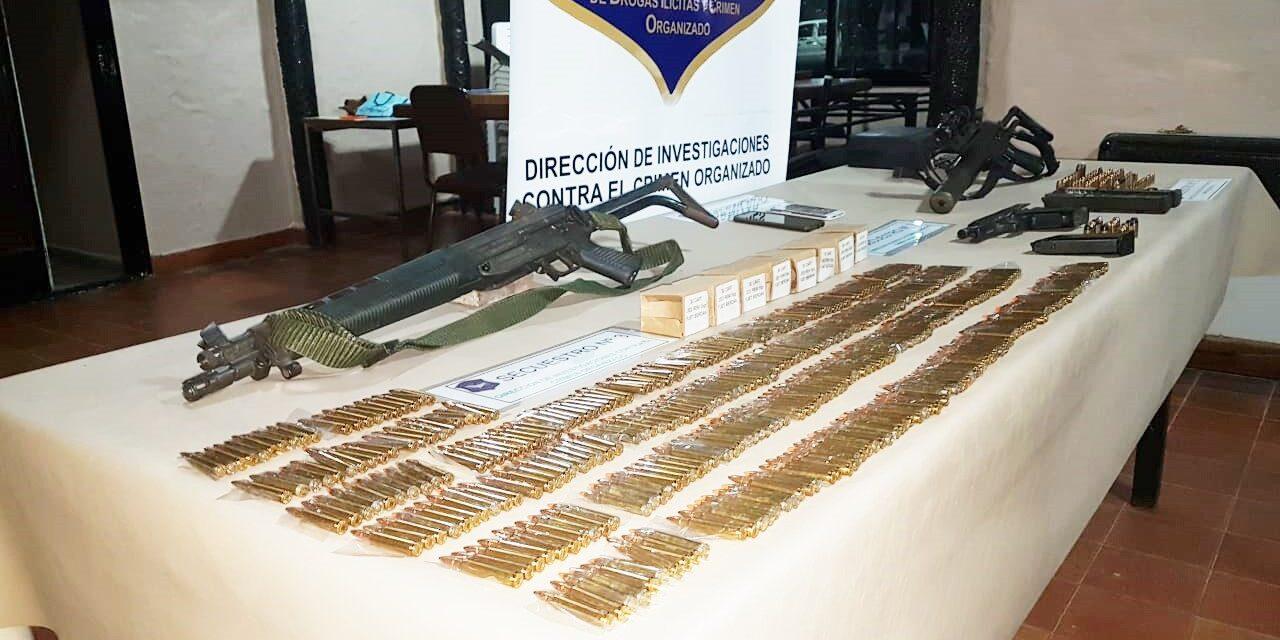 DETUVIERON PAREJA QUE VENDÍA ARMAS DE GUERRA A BANDAS DE DELINCUENTES DE LA ZONA