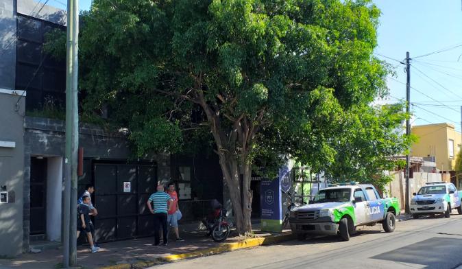 INCENDIAN CAMIONETA Y DESCUBREN CADÁVER CALCINADO