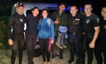 POLICIAS DEL COMANDO BERAZATEGUI RESCATARON PERSONAS EN LA RIBERA