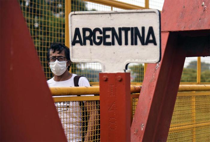 DENUNCIAN QUE 30.000 PARAGUAYOS CRUZAN LA FRONTERA PARA COBRAR EL IFE EN ARGENTINA