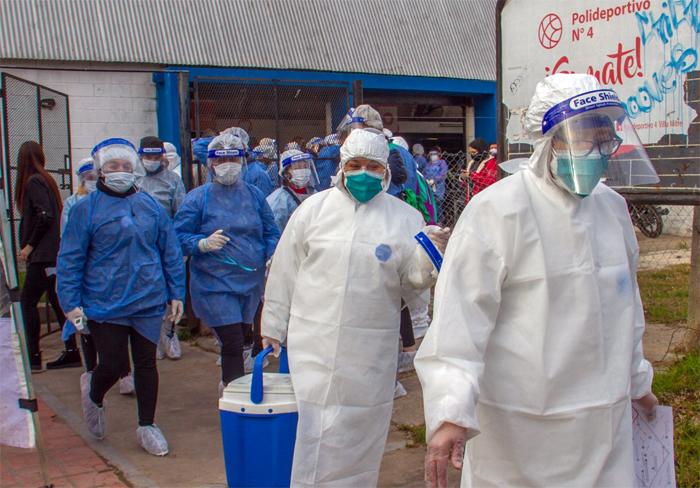 Vacunas: De los 213 proyectos en marcha, sólo 8 se encuentran en fase 3 y ninguno fue aprobado