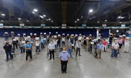RECONOCIMIENTO A 60 TRABAJADORES MUNICIPALES POR 25 AÑOS DE SERVICIO