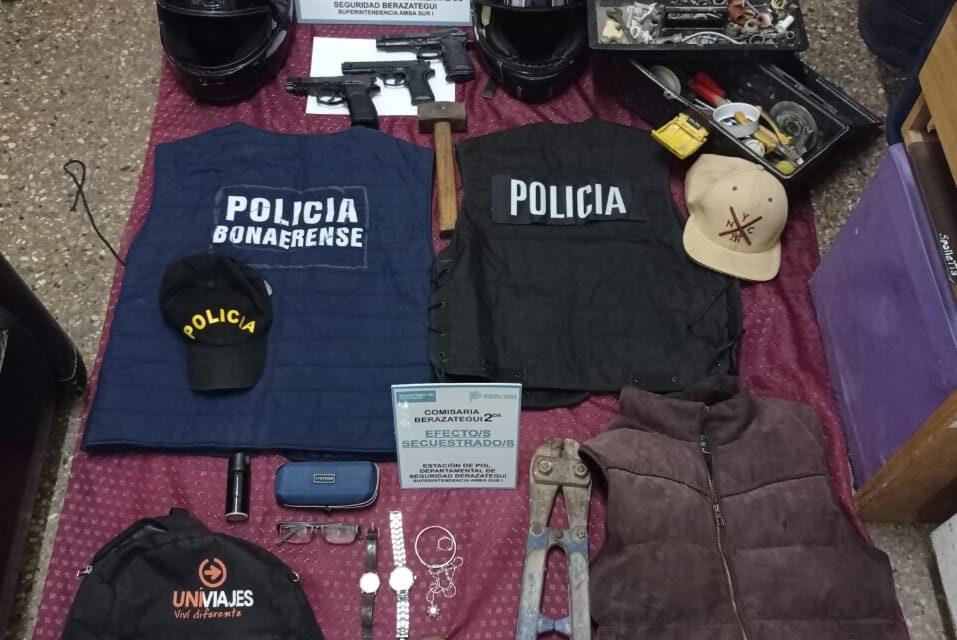 DETIENEN BANDA QUE SE TIROTEÓ CON UN POLICÍA, RESULTANDO MUERTO UN INTEGRANTE DE LA GAVILLA