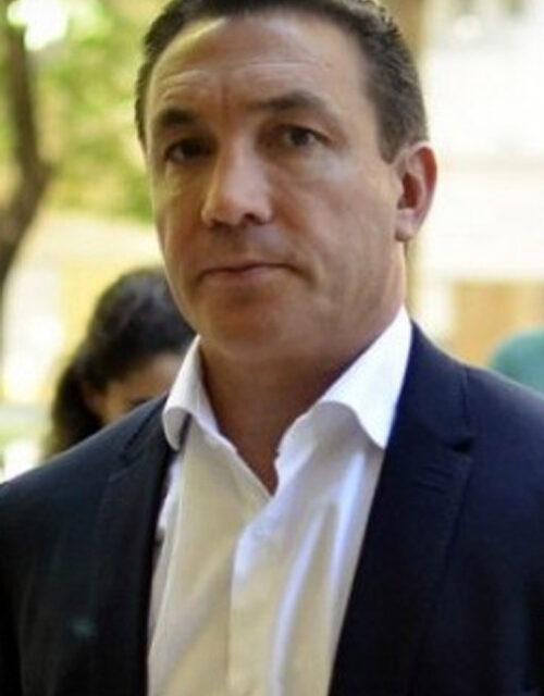 VECINOS ESTAFADOS EN VARELA SE REUNIERON CON INTENDENTE WATSON